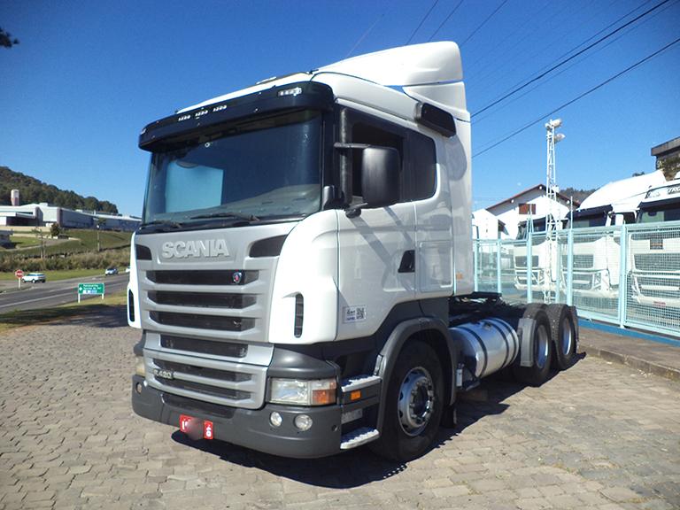 Foto do caminhão R420 6x4 Automático